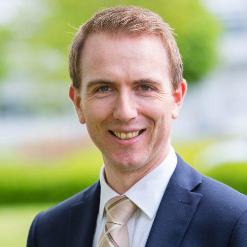 Dr Thomas Hawes